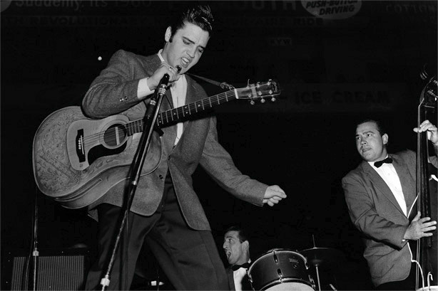 elvis-presley-with-bill-black-dj-fontana